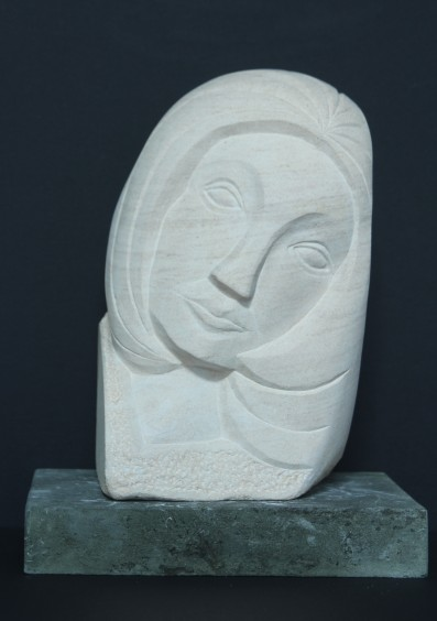 Sculpture by Peter Nava : carving in Ancaster limestone